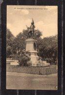 43603    Guinea,  Conakry  -  La  Statue  Du  Gouverneur  Ballay,  VG - Guinea
