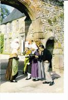 NORMANDIE Manoir De La Chaslerie, Réception, Groupe Folklorique, Coiffe, Costume, Chapeau - Costumes