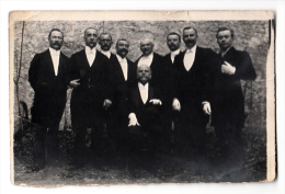 Photo Originale - Hommes En Costumes - Dim 12 X 8 Cm - Personnes Anonymes