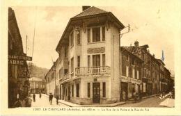 07/CPA - Le Cheylard - La Rue De La Poste Et Rue Du Pré - Le Cheylard