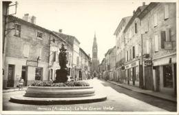 07/CPSM - Vernoux - La Rue Simon Viallet - Vernoux