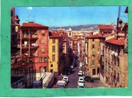 Nice La Vieille Ville La Rue Rossetti Et La Cathédrale Sainte-Réparate (2 CV) - Scènes Du Vieux-Nice