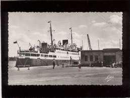35 Saint Malo La Gare Maritime & Le Falaise à Quai édit. Mesny N° 5598 Bateau , Automobiles - Saint Malo