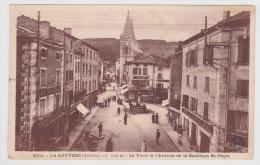 LA LOUVESC - N° 6155 - LA PLACE ET L' AVENUE DE LA BASILIQUE ST REGIS AVEC PERSONNAGES - - La Louvesc