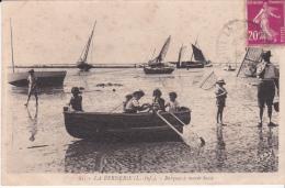 LOIRE ATLANTIQUE  Barques à Marée Basse LA BERNERIE . N°19D - La Bernerie-en-Retz