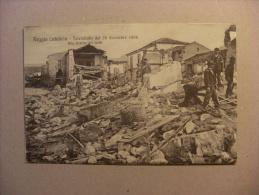 """Cartolina Reggio Calabria """"PELLARO - Terremoto 28 Dicembre 1908"""" Alla Ricerca Dei Feriti - Reggio Calabria"""