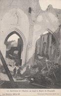 Cpa/pk 1918 Loo Lo-Reninge La Guerre 1914-16 L´intérieur De L´église, Au Fond La Route Dixmude  Destrooper - Lo-Reninge