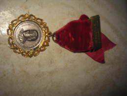 Médaille Allemande Paul Haring CHAM-LOIF LING HOFMARK-BRAUEREI Seit 1590 4. IVV WANDERUNG 19 WILTING 80 - Allemagne