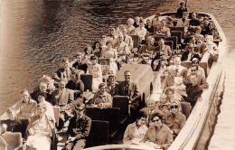 ��  -  Carte Photo non Situ�e  -  Groupe de Touristes sur un Bateau sur un Fleuve   -  ��