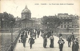 Paris- Le Pont Des Arts Et L'Institut. - The River Seine And Its Banks