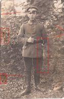 Photocarte Allemande- Soldat Allemand  Baïonnette 1915 (guerre 14-18)2scans(marques Dans La Carte) - War 1914-18