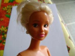 Poupée 1994, Hasbro Inc., Yeux Maneuvrés Par Glissière Sous Les Cheveux, - Dolls