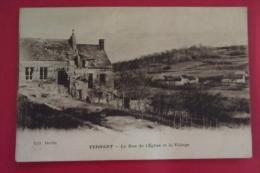 Cp Pernant La Rue De L'eglise Et Le Village - Other Municipalities