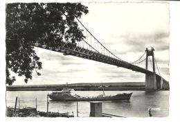 """Cp, Bateaux, Le """"Dahra"""", S.A.G.A., Sous Le Pont De Tancarville (76) - Commerce"""