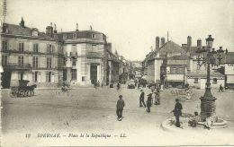 EPERNAY - Place De La République       -- LL 13 - Epernay