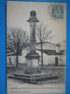 17 :BROUAGE : MONUMENT De CHAMPLAIN : C.P.A. :  Carte  En Trés Bon état : - Monuments