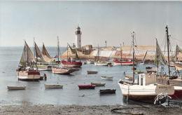 Thematiques 17 Charente Maritime Ile D´Oleron La Cotiniere Le Port Bateau Marie Des Iles Phare Cliché Flor - Ile D'Oléron