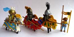 PLAYMOBIL 3 SOLDATS MEDIEVAUX CHEVALIERS JOUTEURS A CHEVAL + 1 SERVANT