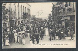 - CPA 14 - Deauville, La Rue Gontaut-Biron - Deauville