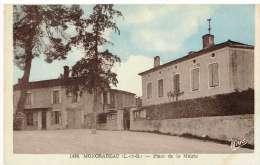 CPA MONCRABEAU - Lot&Garonne - Place De La Mairie - Autres Communes