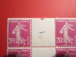 TIMBRE : Belle Variétés Sur 2 Bloc De 4 Semeuse 20c Brun Rouge  20 Zero Ouvert Coin Daté MNH ** Type IV  YT 139 - Unused Stamps