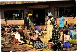 Swaziland - Buying In Day At Handicraft Market, Manzini - Swaziland