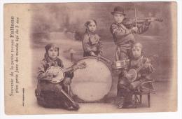 """Souvenir De La Petite Troupe  """"Fallone"""" Plus Petit """"Jazz"""" Du Monde Agé De 3 Ans (banjos, Violon & Batterie) Pas Circ - Musique Et Musiciens"""