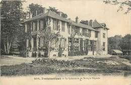 RY-13-1207  :  Fontainebleau Laboratoire De Biologie Végétale - Fontainebleau