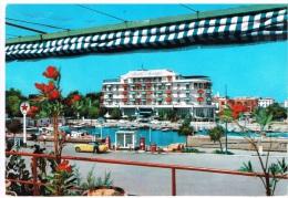 Carte Postale La Darse Et L'Hôtel Savioli Riccione Riviera Adriatica - Hotels & Restaurants