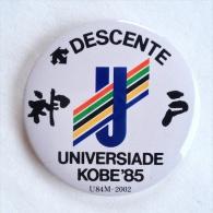 Badge / Pin (Olympic / Olimpique Universiade) - Japan Kobe 13th Games 1985 DESCENTE - Olympic Games
