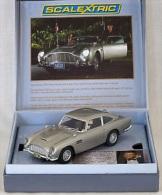 - SCALEXTRIC  - Voiture De Circuit ASTON MARTIN James Bond - Série Limitée - 1/32° -  Réf 3162A- - Circuits Automobiles