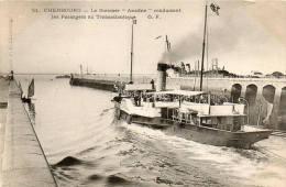 """(35)  CHERBOURG - Le Steamer """"Ariadne"""" Conduisant Les Passagers Au Trasatlantique - Cherbourg"""