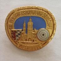 Badge / Pin (Shooting Weapons) - Germany (Deutschland) Vilsbiburg - Badges