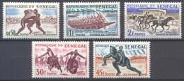 Sénégal YT N°205/209 Sports Et Divertissements Indigènes Neuf/charnière * - Sénégal (1960-...)