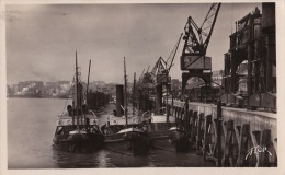 44)  Nantes - Les Quais - (oblitération De 1950) - Nantes