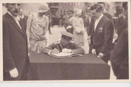 Mons Joyeuse Entrée Du Duc Et De La Duchesse De Brabant En 1928 Signature Du Livre D'or - Manifestations