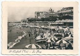 Cpsm: 83 SAINT RAPHAEL (ar. Draguignan) La Plage (trés Animée, Pédalos) N° 1303 - Saint-Raphaël