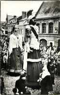 Oct13 1306 : Cassel  -  Géants Reuze Papa Et Maman - Cassel