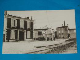17) Ile De Ré N° 3462 - Ars-en-ré - Place De La Gare ( Café Du Cammerce - Café De La Gare )  - Année   - EDIT - Bergevin - Ile De Ré