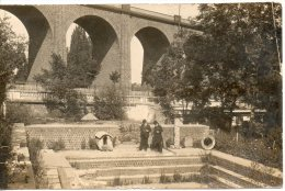 63. Royat. Carte Photo. 2 Hommes Dans Un Bassin Romain - Royat