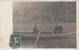 ��  -   Carte Photo non Situ�e  -   Deux  Hommes dans une Barque  -  Bateau  -  ��