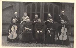 """Carte Photo - Musiciens  - Militaire """"22"""" sur le col - Religieux - Instrument de Musique, Violons, Violoncelles, Flutes"""