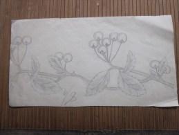 Dessin Au Fusain Recto :une Branche De Cerisier 8.5 /10 Note Obtenue Au Verso Une Autre Fleur Note 8/10 - Dessins