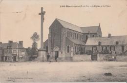 BONNEMAIN  ( Ille Et Vilaine )  -  L´ Eglise  Et  La  Place. ( Personnages Devant Le Calvaire ). - Autres Communes