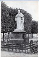 Etampes (Essonne) Statue De Geoffroy Saint-Hilaire. - Etampes