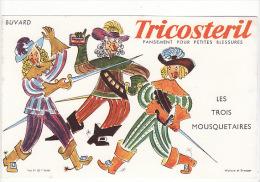 """Buvard Tricostéril : Pansement Pour Petites Blessures Signé Wallace Et Draeger : """"les Trois Mousquetaires"""" - Buvards, Protège-cahiers Illustrés"""