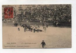 CPA  64 : Corrida  Aux Arènes Enlèvement Du Toro   1908    A  VOIR  !!!!!!! - Autres Communes