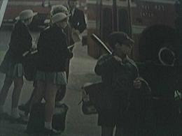 Magazine Picture 1960s - New Zealand Children Await School Buses Christchurch - 1950-Hoy