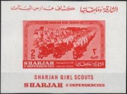 SHARJAH Bloc 7 ** MNH Eclaireuse Girl Scout Pfadfinder Pathfinder - Sharjah