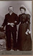 Photograhie Ancienne Couple De Mariés Par A.DETRAZ  , Photographie Du Progrès Albertville , Format CDV - Photos